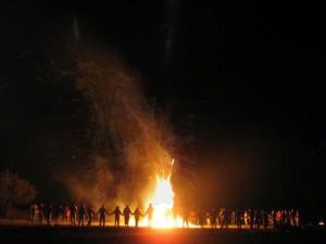 en-torno-al-fuego-SINERGIA-HAIKI